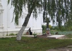 Могила старца Ипполита